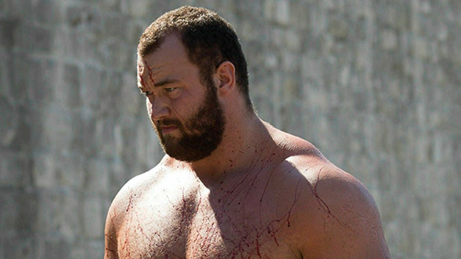 Game of Thrones star breaks world record with massive deadlift