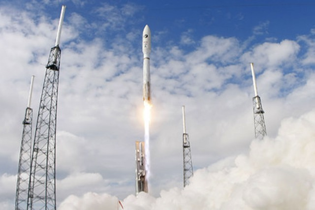 U.S. successfully launches unmanned reusable drone for space experiments