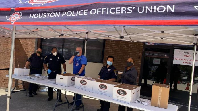 Cops AGAINST masks Houston police union says it wont enforce IDIOTIC order mandating face covers for everyone over 10
