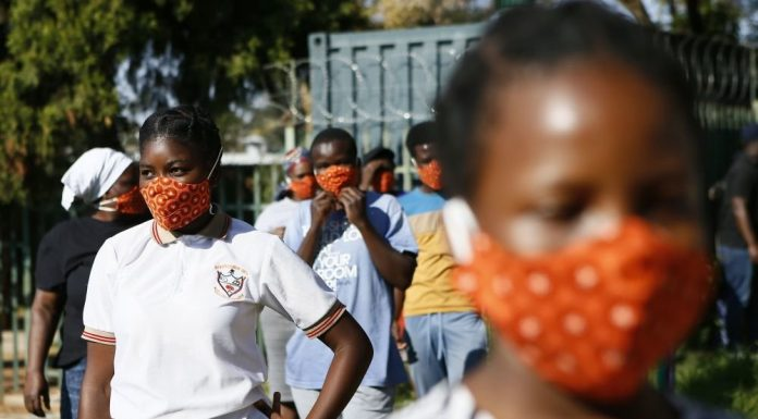 Cuba sent more than 200 doctors to South Africa to fight COVID 19