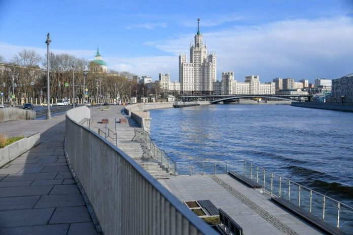 Forecasters predict the temperature in Moscow at about the norm