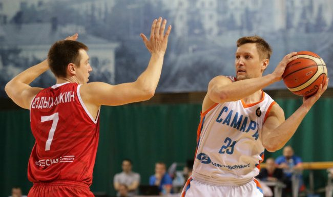 In the championship of Russia on basketball still left the intrigue