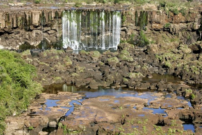 Ministers of Argentina and Brazil discussed the silting up of Iguazu falls