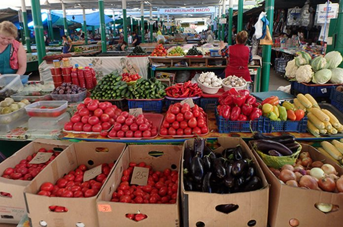 Officials will leave no foreign cucumbers and tomatoes