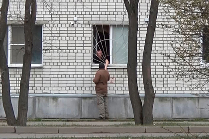 Russians illegally sold alcohol from his apartment window
