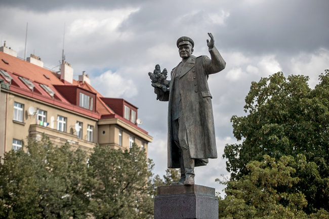 Sands: the Kremlin would like to restore the monument to Konev
