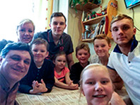 Family where the seven children and their parents huddle over a decade in the 28 square metres of living area at number 61 on Izmailovsky prospect and while losing all the battles in the offices of the city officials, who, under various pretexts, delaying the solution of the housing question