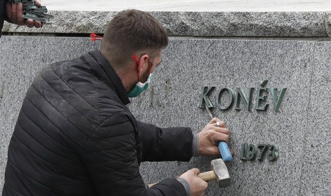 The Czech President condemned the dismantling of the monument to Konev