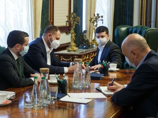 The sad anniversary of the presidency Zelensky too many patients for the holiday