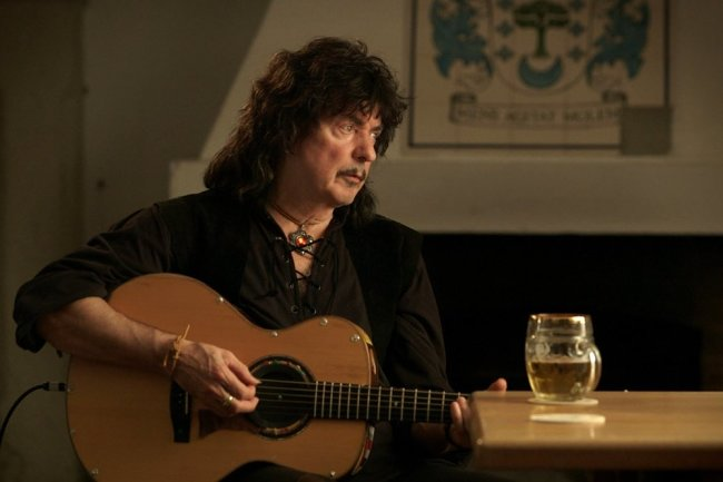Today celebrates the 75th anniversary of one of the best guitarists in the world - Ritchie Blackmore